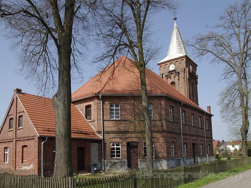Zatonie - Kościół Matki Bożej Częstochowskiej