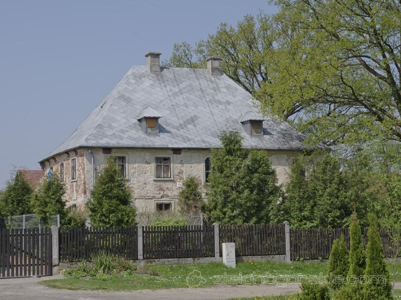 Broniszów - Dawna plebania