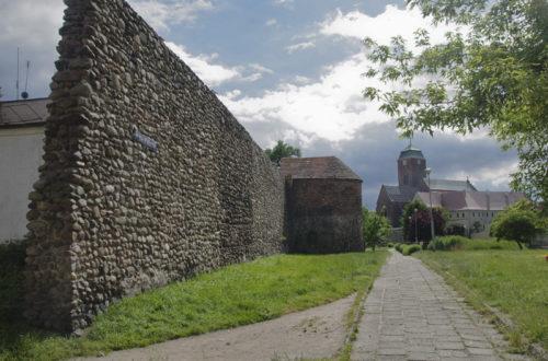 Żagań - Mury miejskie - część północna z basztą